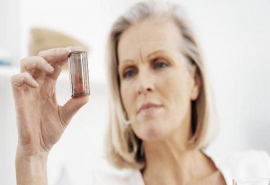 Estrógenos Conjugados e Medroxiprogesterona (Oral)