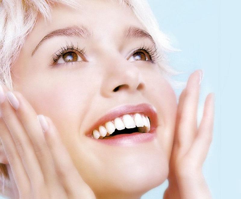 Laxantes Combinações de Estimulantes e Emolientes Fecais (Oral)