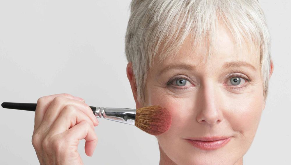 Maquiagem Para Mulheres Depois dos 50 Anos