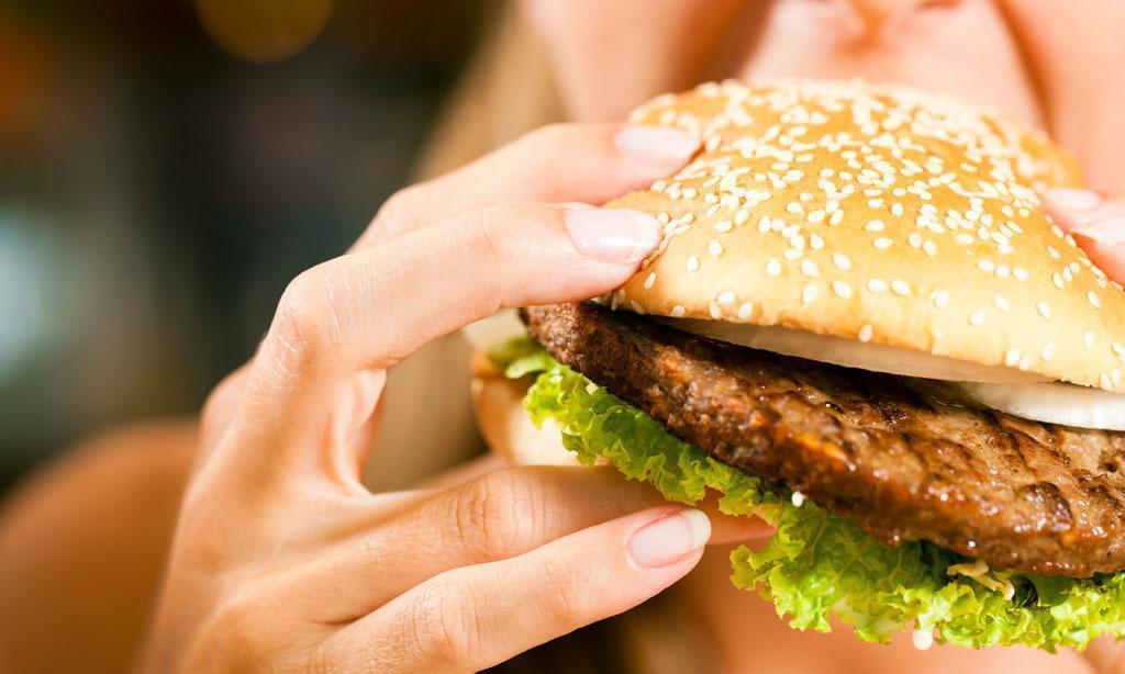 Comer Mal Aumenta o Risco de Depressão