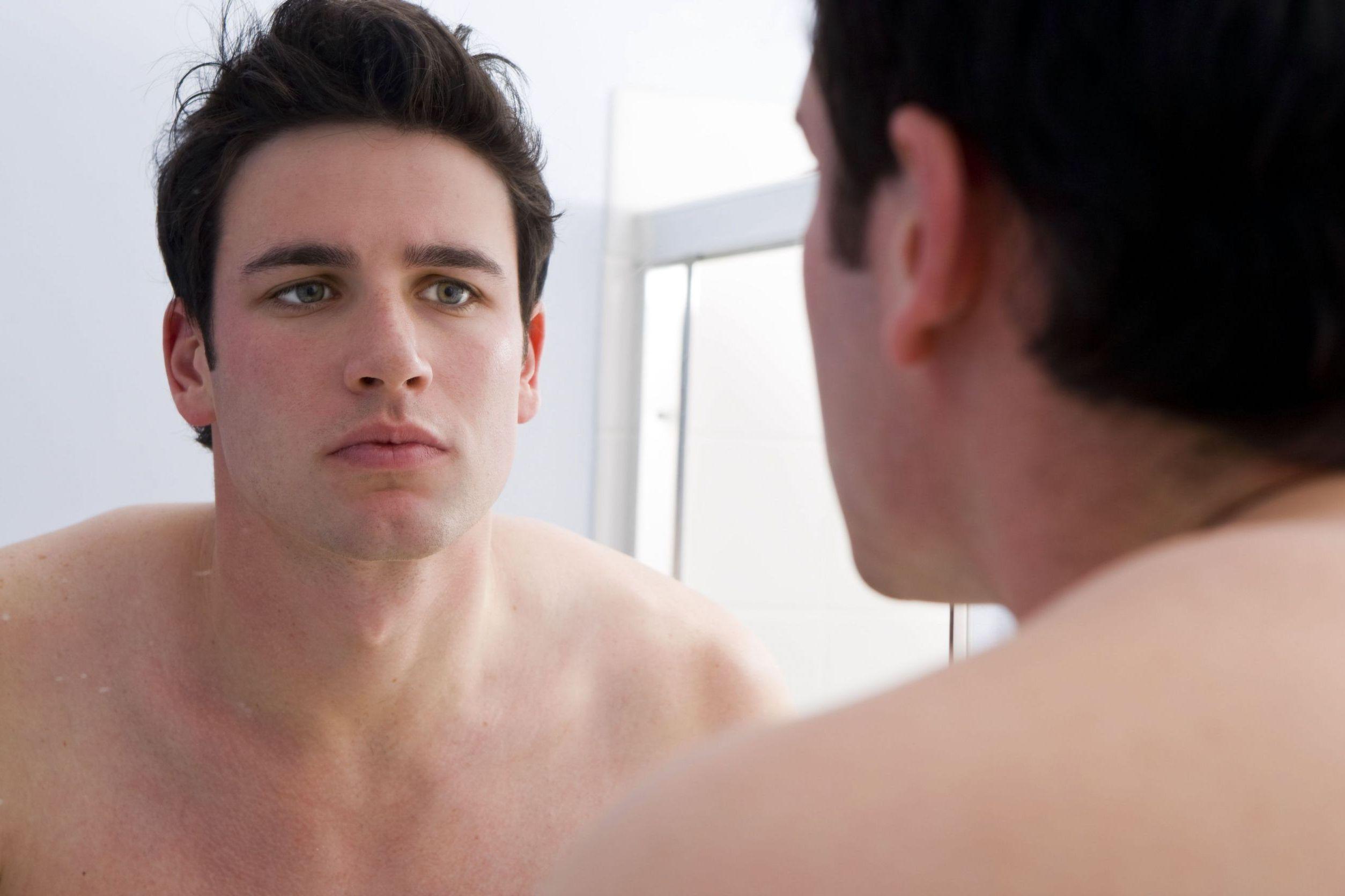 Cuidados com a Pele em Homens de Meia Idade