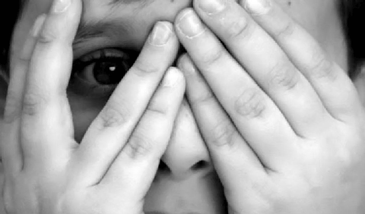 Abuso Infantil Leva à Depressão na Maturidade