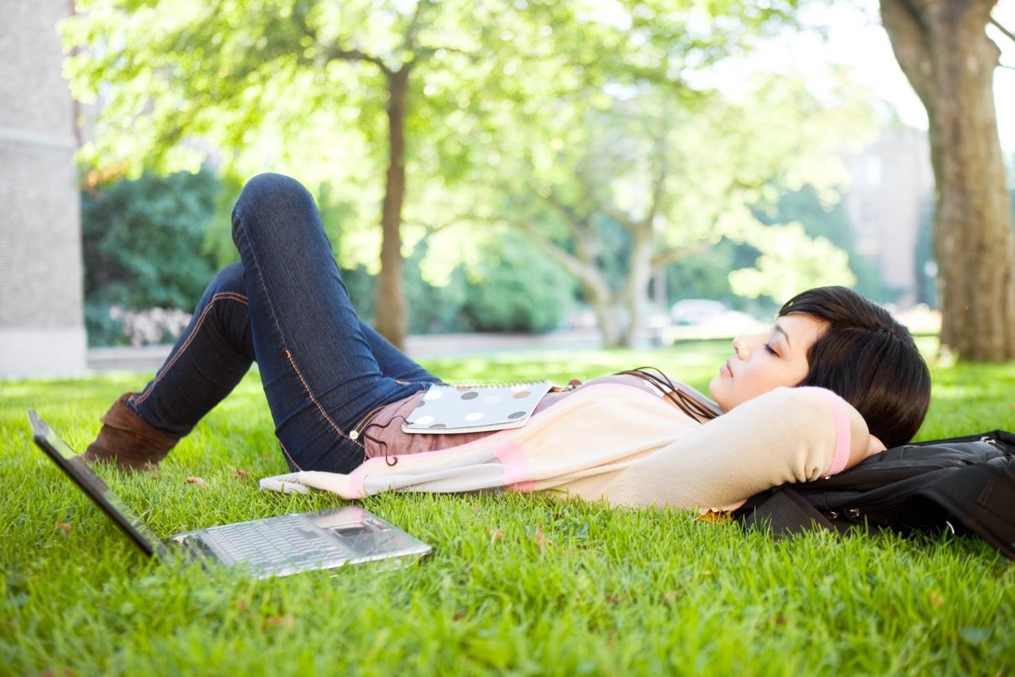 A Importância do Cochilo – Benefícios do Cochilo a tarde, no trabalho e Depois do almoço