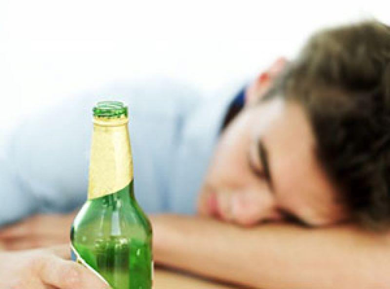 Álcool Pode Causar Danos Cerebrais Irreversíveis aos Jovens