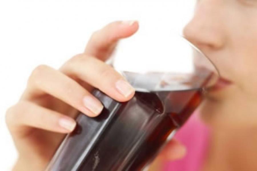 O Dano Causado por Refrigerantes em Seu Corpo