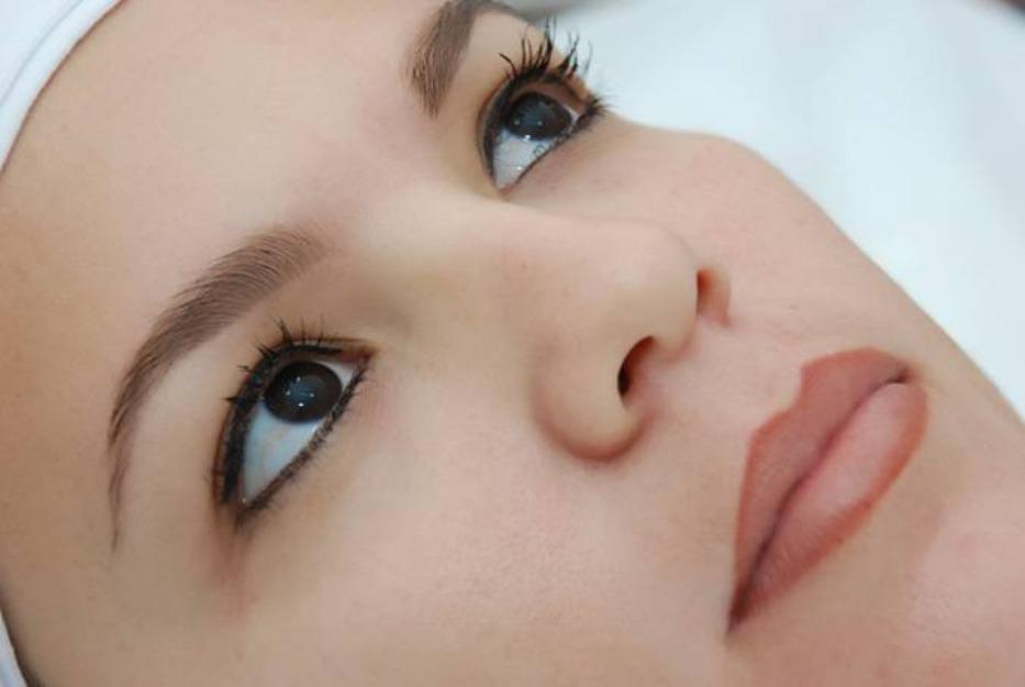 Maquiagem Definitiva – Vantagens e Desvantagens da Maquiagem Definitiva