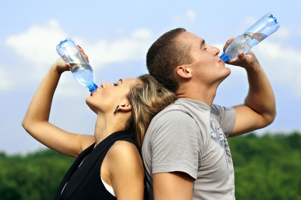 É Conveniente Beber Água em  Jejum?