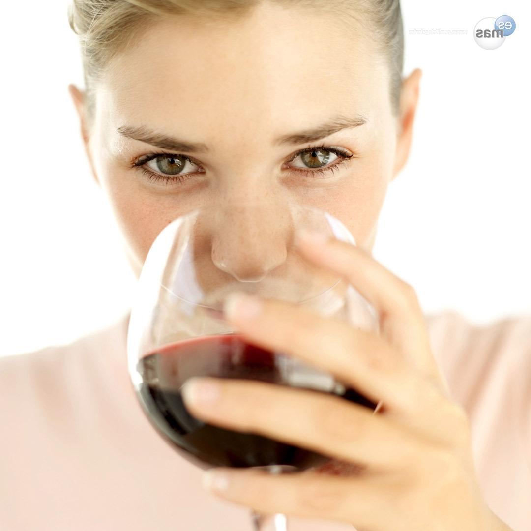 As Vantagens de se Tomar um Copo de Vinho Por Dia