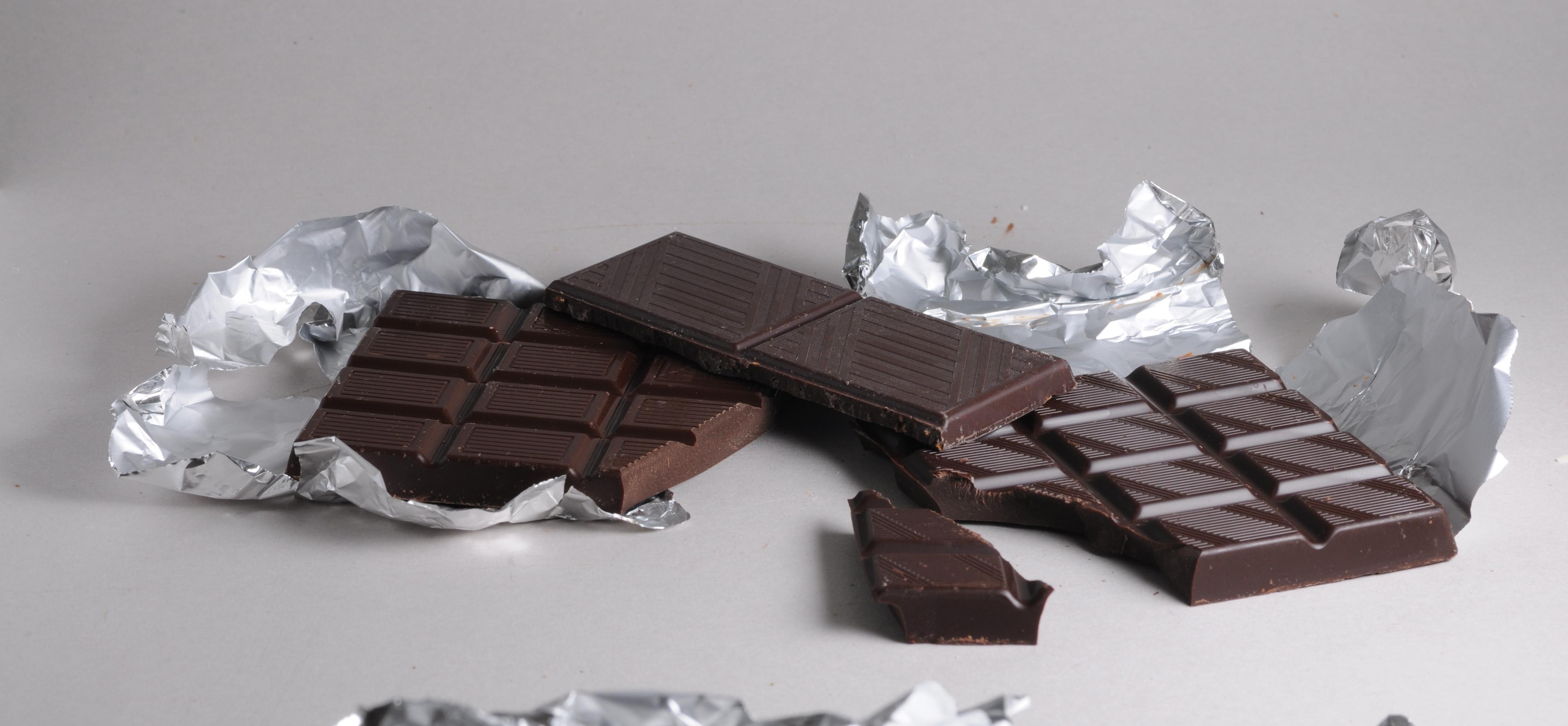 Cacau: Benefícios de Comer Chocolate Preto