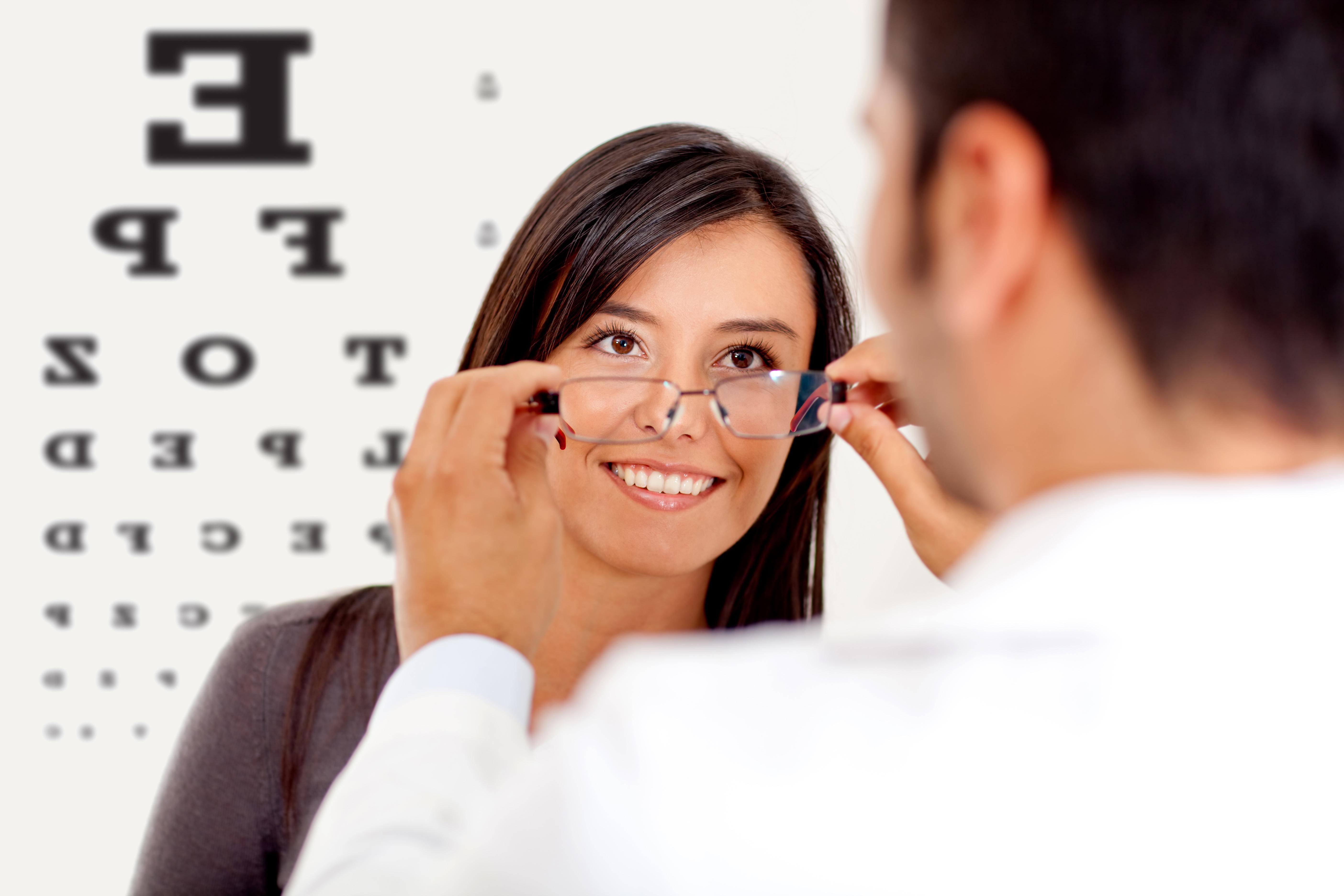 O Que Esperar de uma Visita ao Oftalmologista?