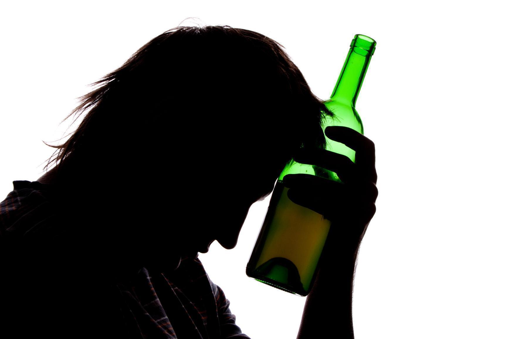 À Beira do Alcoolismo e Não Sabe? Cinco Sinais que Indicam o Alcoolismo