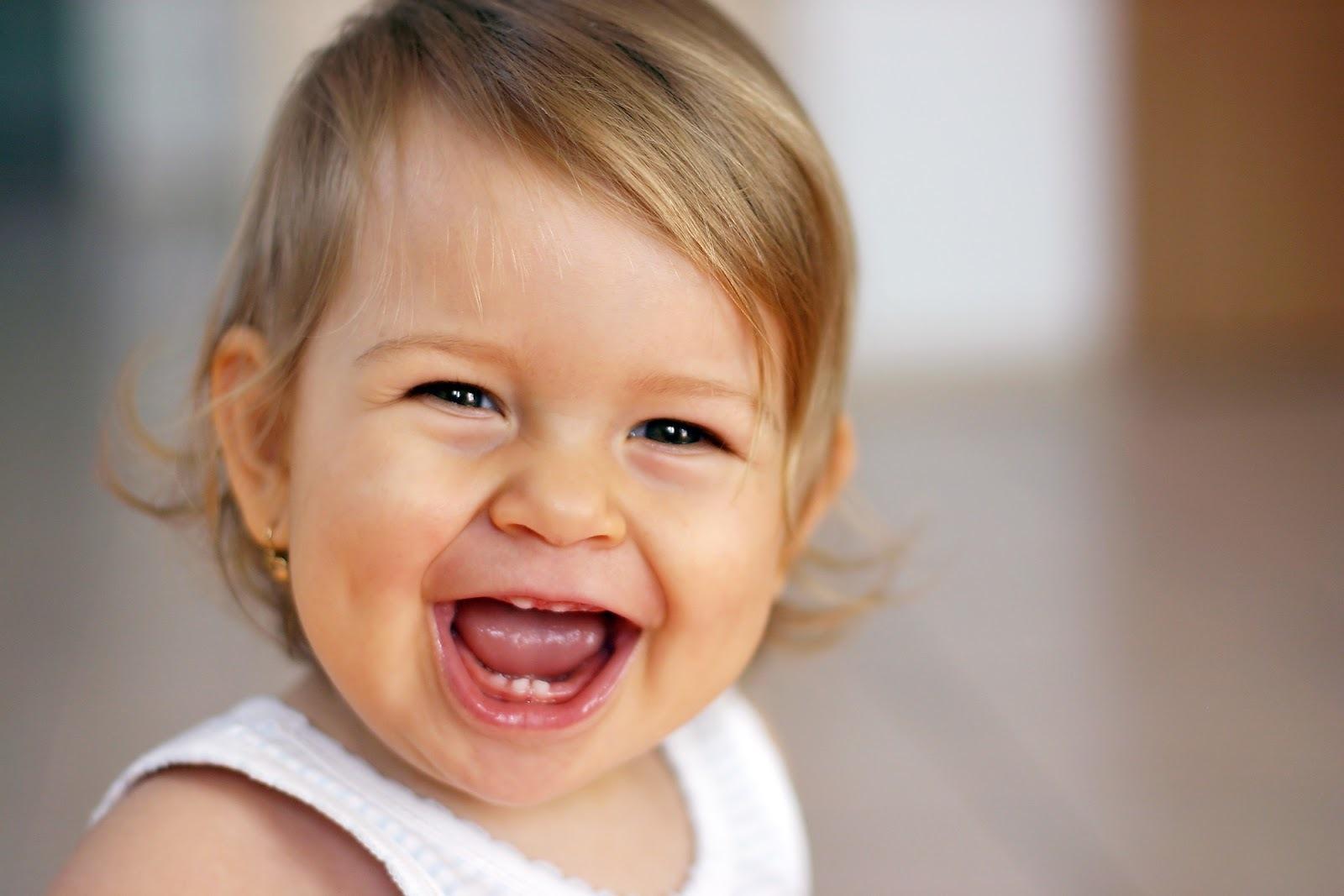 Plagiocefalia Cabeça Achatada do Bebê: Causas, Sintomas e Tratamento