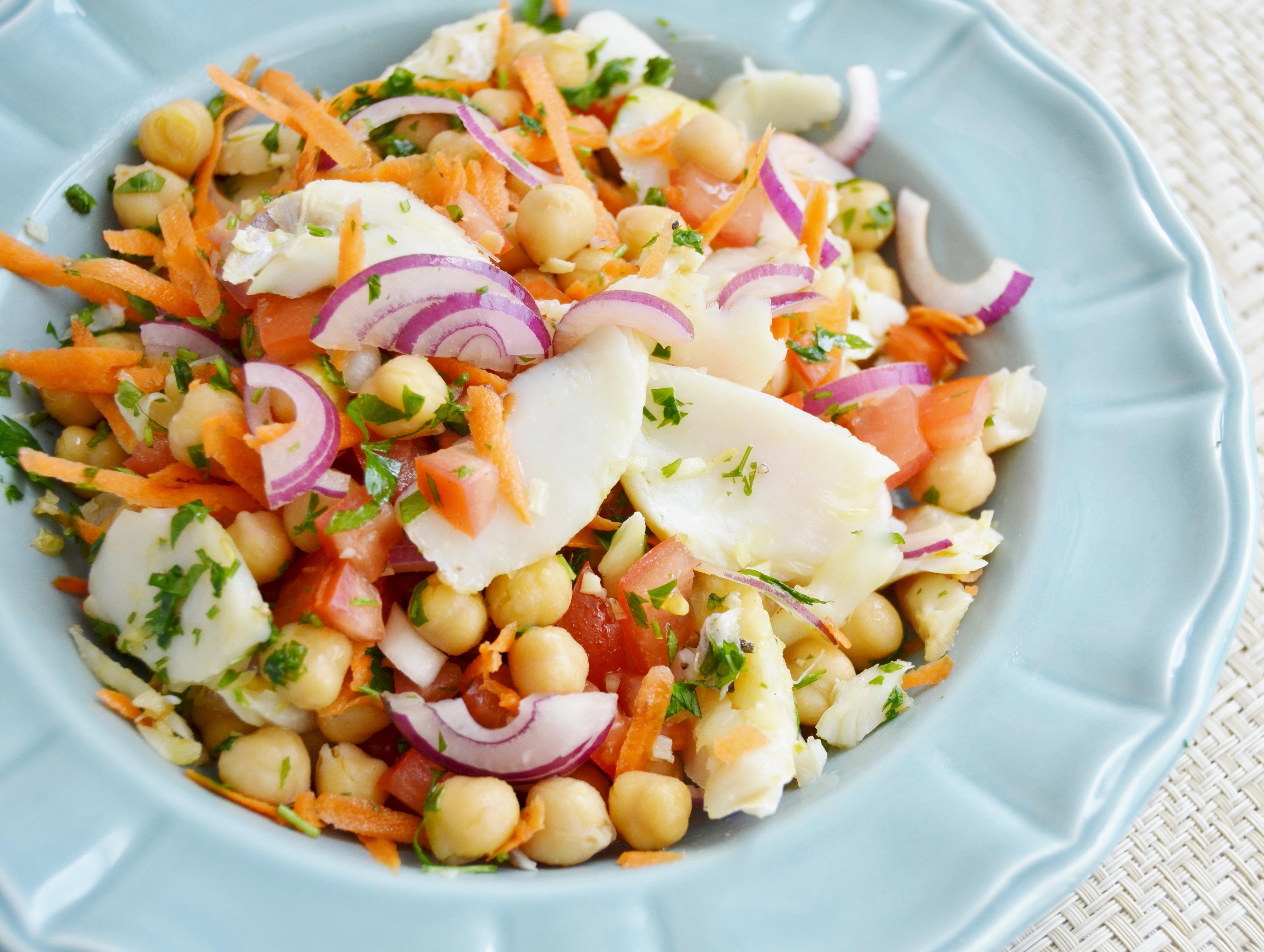 Salada de Salmão e Legumes Para Emagrecer Com Hipotireoidismo