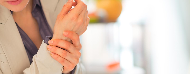 A Dor nas Articulações dos Dedos Geralmente é o Primeiro Sintoma da Artrite Reumatoide