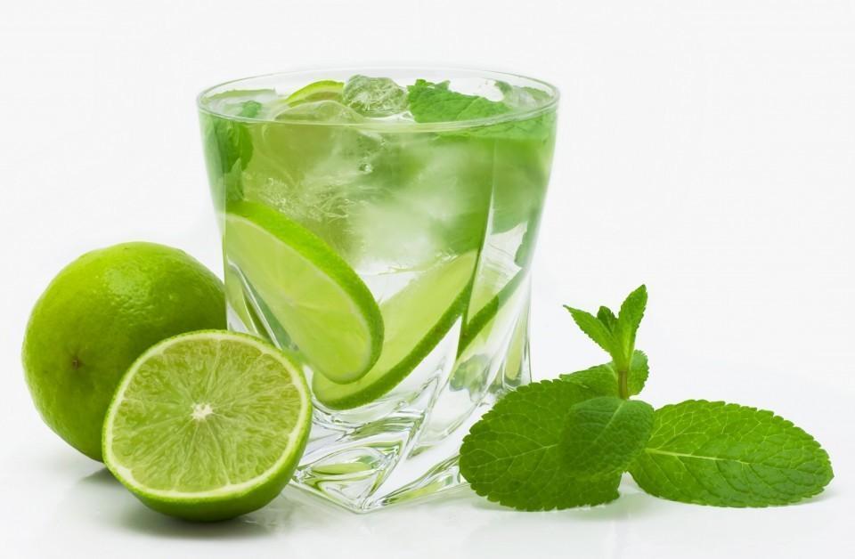 Suco de Limão e Bicarbonato: Como Te Ajuda a Perder Barriga?