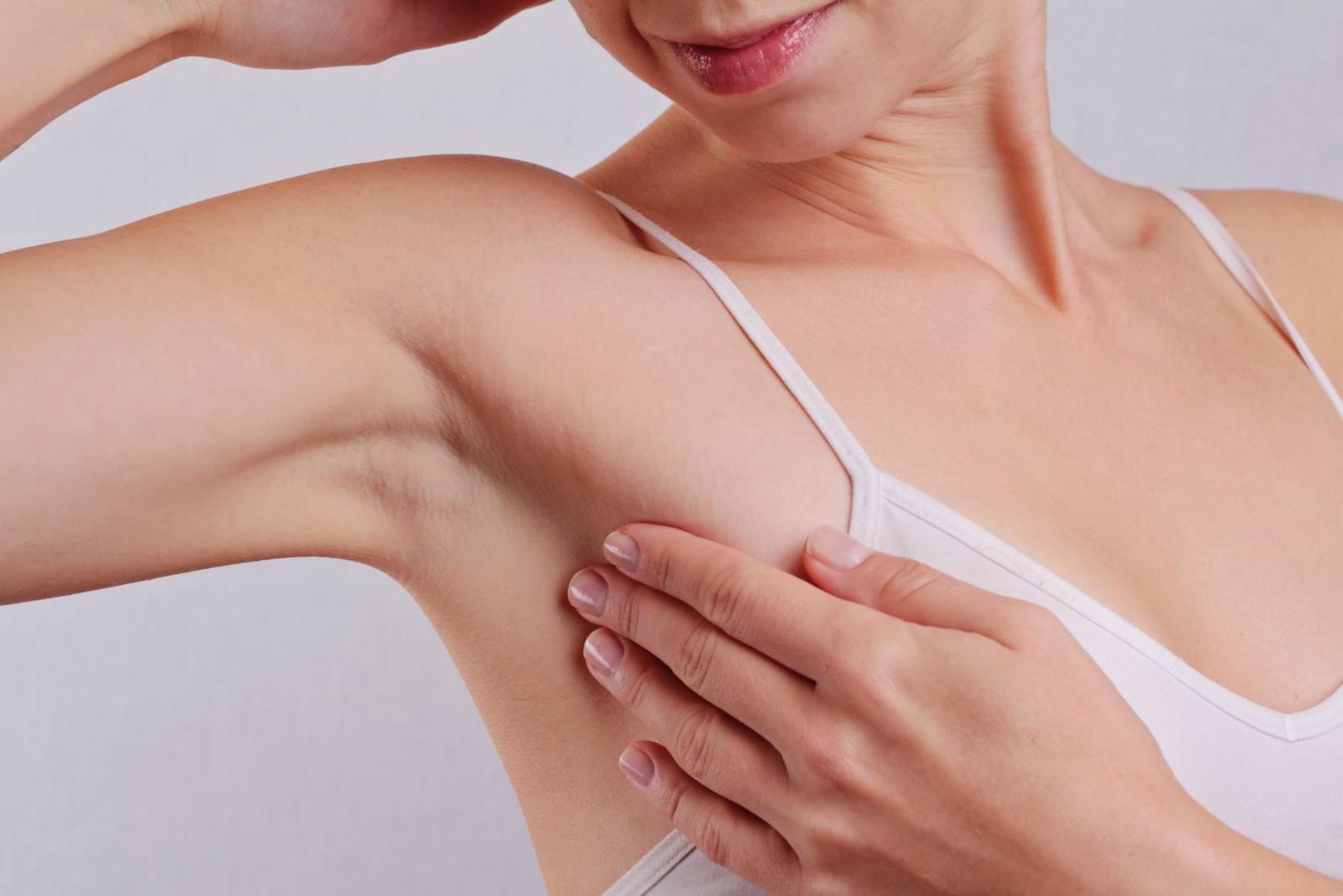 Candida Albicans na Pele: O Que É, Sintomas, Tratamento e Remédios Caseiros