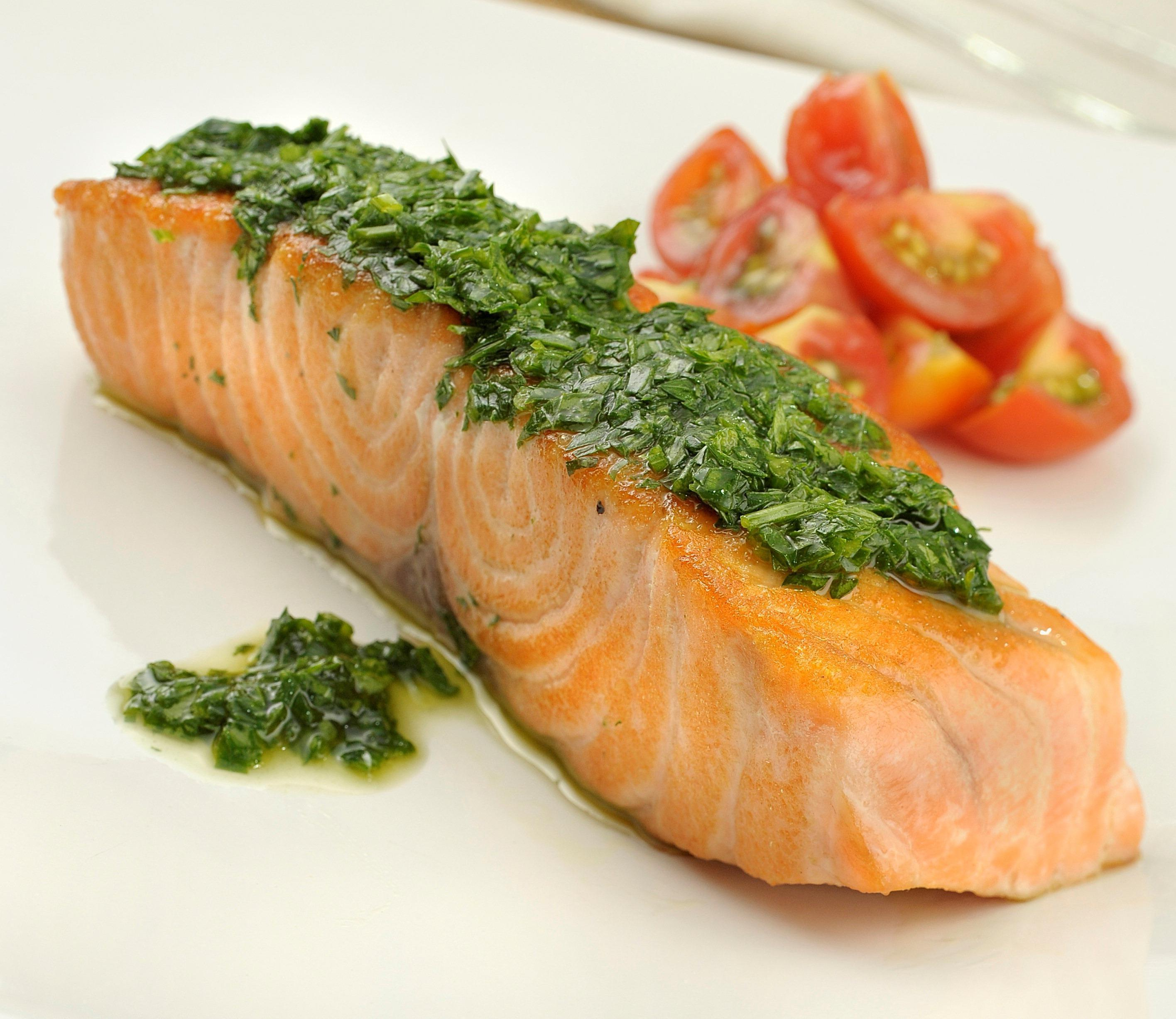 Comer à Noite: Quais os Alimentos Que Podemos Comer e Quais Não Para Evitar Ganhar Peso?