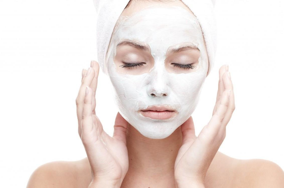 Máscaras Esfoliantes Naturais Para Remover Cravos ou Espinhas