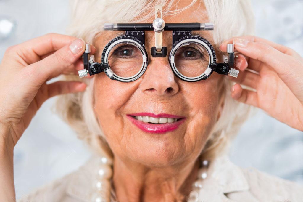 Como o Envelhecimento Afeta os Olhos e Como Prevenir Problemas